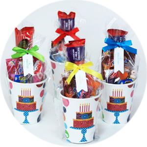שקיות יום הולדת, מתנות לאורחים