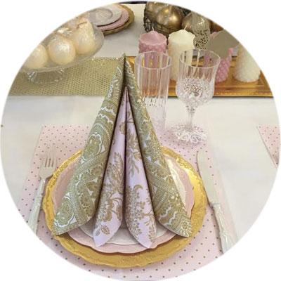 שולחן חג פסח קונספט