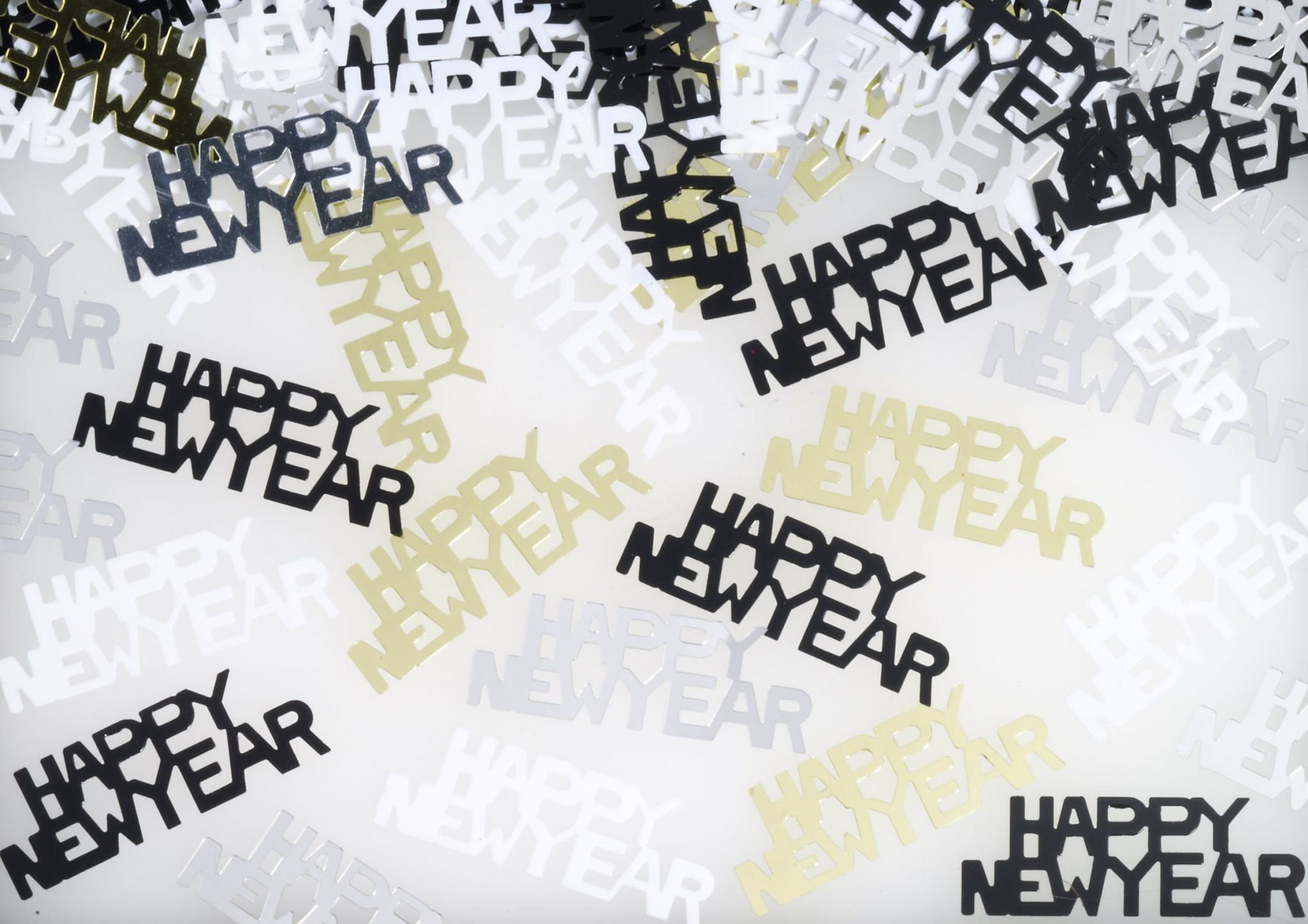 קונפטי שחור Happy New Year, סילבסטר, מסיבת סילבסטר, קישוטים לסילבסטר, אביזרים למסיבת סילבסטר, 2020, קונפטי, Happy New Year