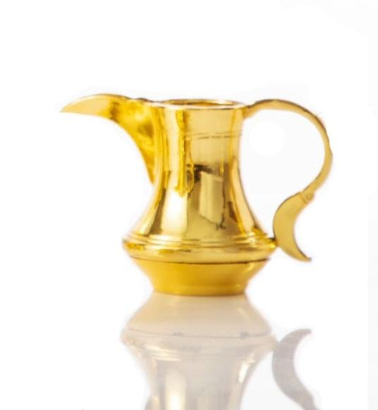 כד זהב קטן לחנוכה, כד, כד שמן, כד זהב, חנוכה, חנוכיה, סביבון, חנוכייה, חנוכה, חג חנוכה, שולחן חג, עיצוב שולחן חג, סידור שולחן חג, סידור חנוכה,
