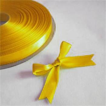 """גליל סרט סאטן צהוב עובי 1.5 ס""""מ"""