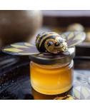 צנצנת דבש קטנה עם דבורת שוקולד