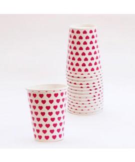 כוסות נייר לבנות עם לבבות
