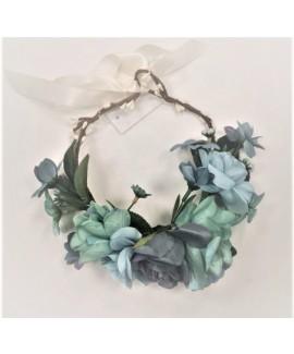 זר פרחים כחול לראש