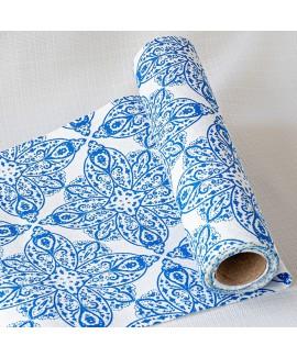 ראנר בסגנון יווני- עיטורים כחולים על רקע לבן