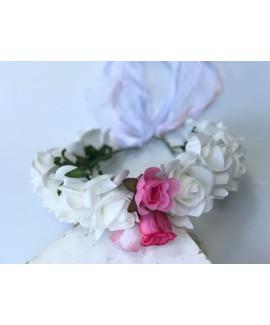 זר פרחים לראש לבן עם נגיעת ורוד