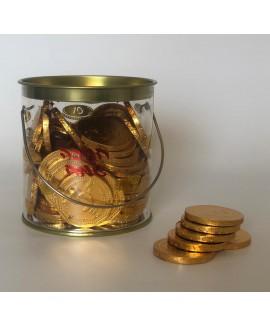 קופה מלאה במטבעות שוקולד