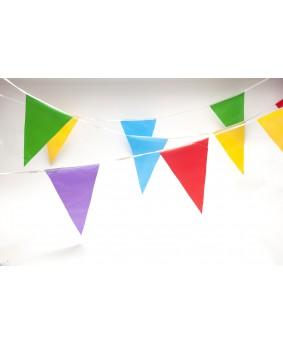 שרשרת דגלים צבעוניים