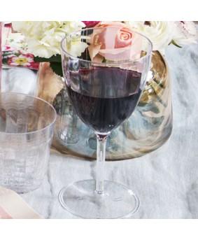 כוסות יין מעוטרות חלק אחד