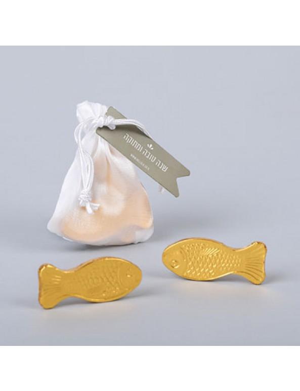 שקית אורגנזה עם דגי שוקולד זהב- מתנה לאורחים